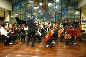 L'orchestra si esibisce all'Istituto Secco Suardo